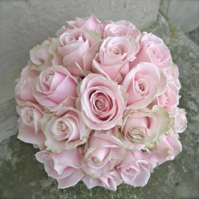 A bridal bouquet of Sweet Avalanche by Meijer Roses made by Floraldeco Wedding Flowers Nottingham
