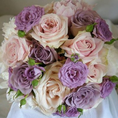 Bridal bouquet with Sweet Avalanche made by Green Room Flowers
