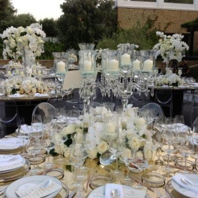 Avalanche by Meijer Roses styled by Munaretto Flowers for a wedding in Marbella in Spain! (photo by Gebr. van der Plas Commissiehandel B.V.)