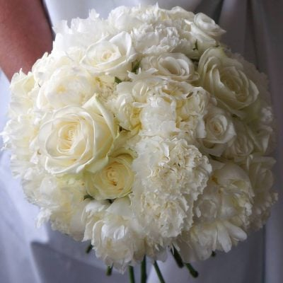 A wedding bouquet with Avalanche+ by in combination with peony and carnations made by Green Room Flowers!