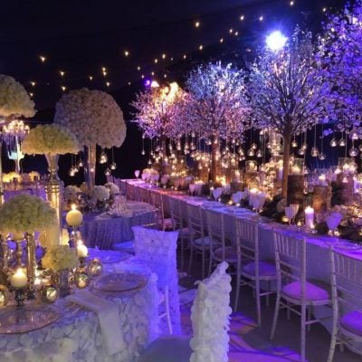 Avalanche byMeijer Rosesstyled in a stunning wedding show byRed Floral Architecture! (photo by Red Floral Architecture)
