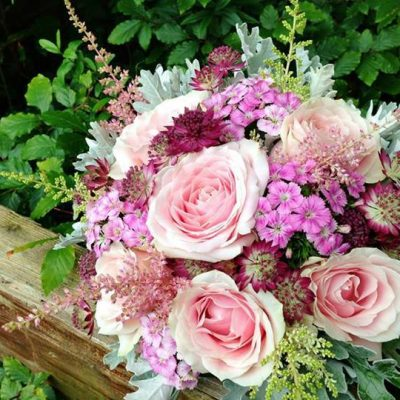 Bouquet with Sweet Avalanche designed by Endrick Blooms