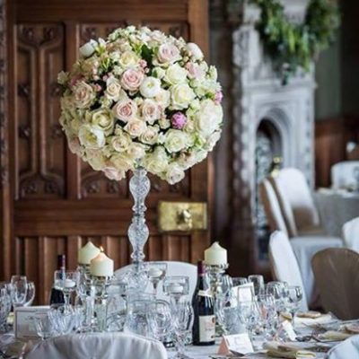 Avalanche+ and Sweet Avalanche byMeijer Roses styled for a wedding dinner byBeau Ideal Weddings - Creative Floristry & Styling! (photo by Cris Matthews Photography)