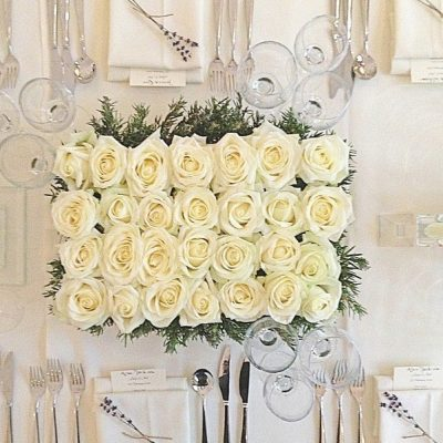 Avalanche+ byMeijer Rosesstyled byPhilippa Craddock Flowersfor a special dinner! (photo by Philippa Craddock Flowers)