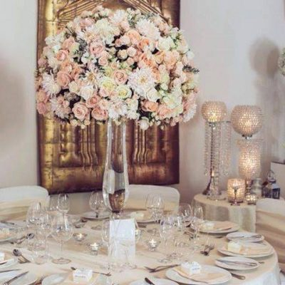 Avalanche+ roses byMeijer Rosesbeautifully styled by John Preston Flowers! (photo by Leigh Mcara Photography)