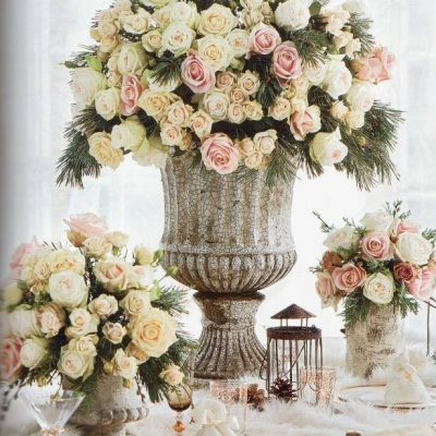 Sweet Avalanche and Avalanche+ by Meijer Roses as centerpiece for a wedding diner in Brides Magazine! (photo by Brides Magazine)