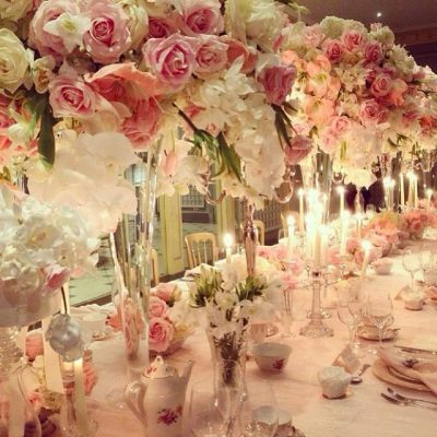 Avalanche+ and Sweet Avalanche byMeijer Roses styled by attendees of theKaren Tran FloralsFloral Masterclass in London! (photo by Ceci Johnson)