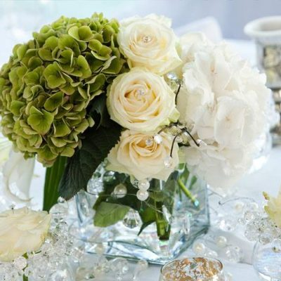 Avalanche+ by Meijer Roses simple and chique styled by Parisian florist Le Fleuriste Coppola! (photo by Coppola-Paris)