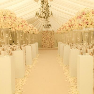"""A """"dream-come-true"""" wedding by Flowers by Jemma Holmes designed using Avalanche and Sweet Avalanche by Meijer Roses"""