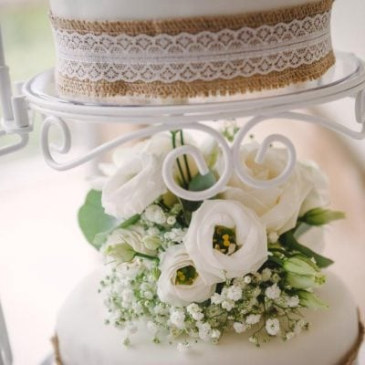 Details of the wedding cake.