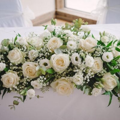 Elegant decoration for the main table.