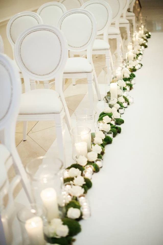 Wedding showcase at the fs hampshire meijer roses walking down the ailse decorated with avalanche bar decoration junglespirit Gallery